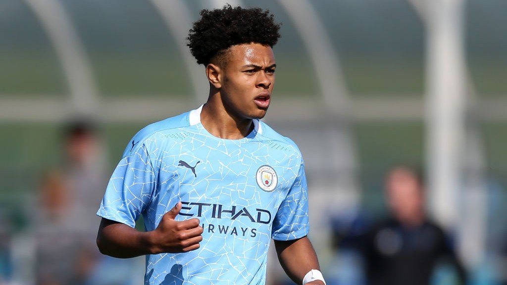 It's high fives as Under-18s see off Sunderland