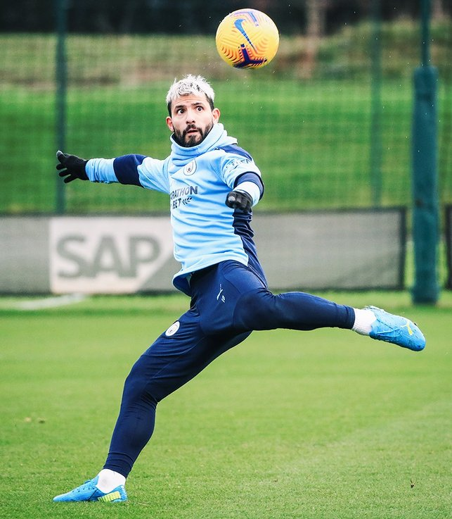 EYES ON THE PRIZE : Sergio Aguero eyes up a volley - We know where that one is heading!