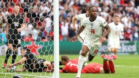 스털링의 선제골과 함께 유로 2020 8강에 오른 잉글랜드