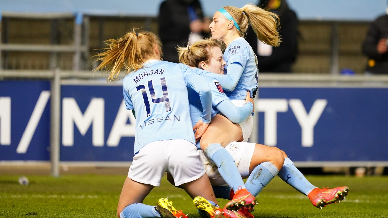 Kelly late show fires City top of FA WSL