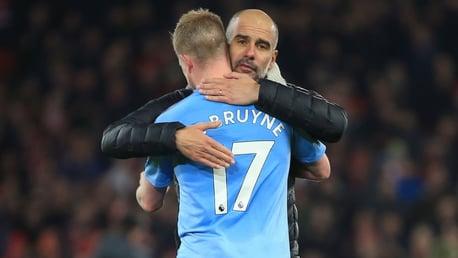 'De Bruyne é o melhor do mundo', diz Pep