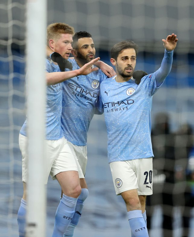 THREE AMIGOS : Mahrez and Bernardo celebrate with De Bruyne after his composed finish!