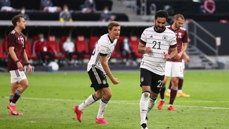 Gündogan y Zinchenko marcan en sus amistosos