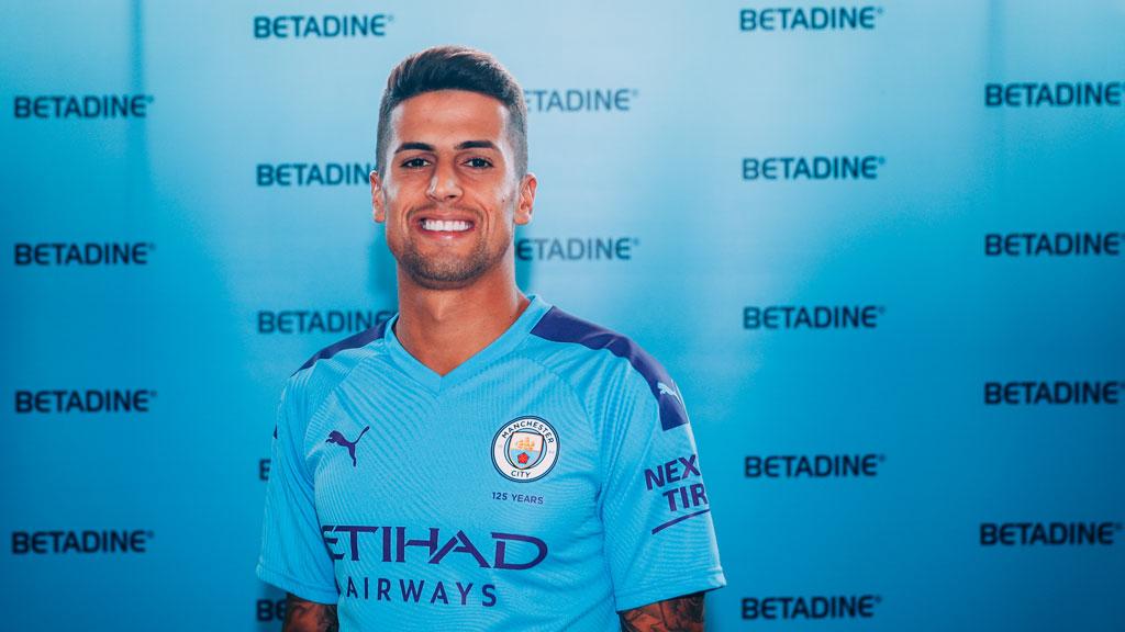 City sign Joao Cancelo