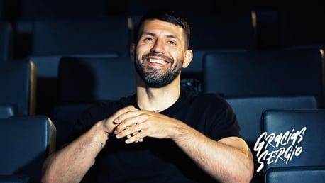 Sergio réagit aux messages des fans !