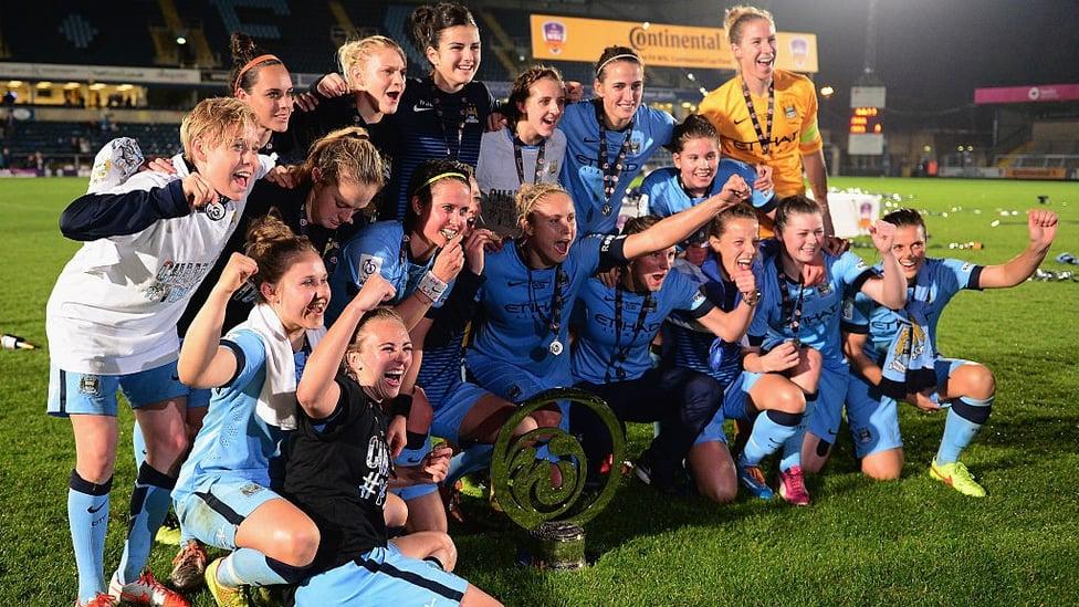 Oktober 2014 : Musim pertama setelah pembentukan kembali Tim Wanita City berakhir sukses setelah kami mengalahkan Arsenal 1-0 untuk meraih trofi Piala Continental.