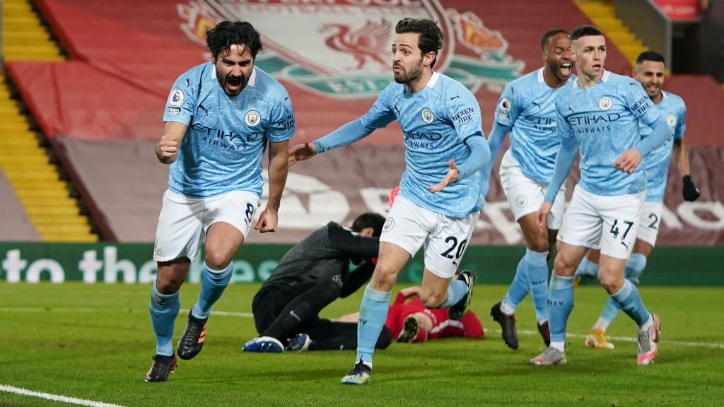 El City golea en Anfield y abre brecha