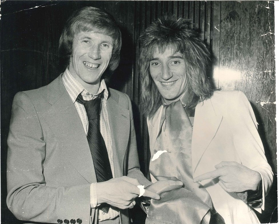 STAR TURN: Rod Stewart meets Colin - and gets his autograph