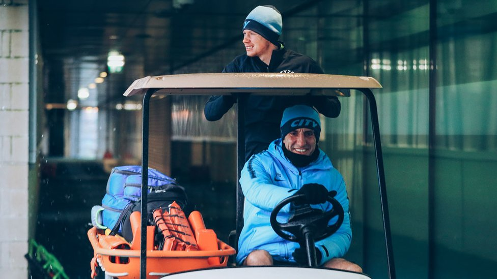 MR MOTOR-VATOR : Kevin De Bruyne gets a helping hand on the way to training!