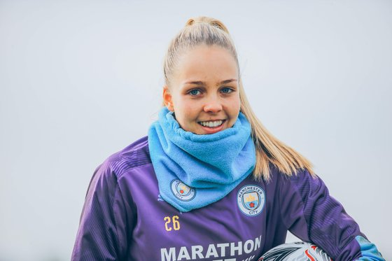 Ellie Roebuck in training