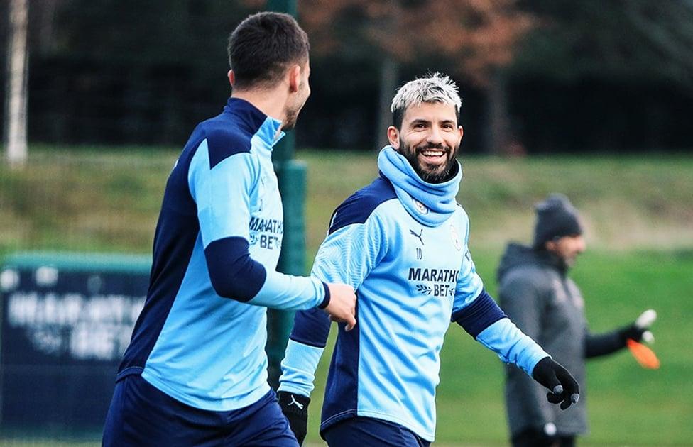 SENYUM SERGIO : Senyum Aguero untuk bisa turun bermain