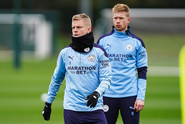 SNOODS YOU SIR: Oleks Zinchenko was kitted out for a chilly Autumn day