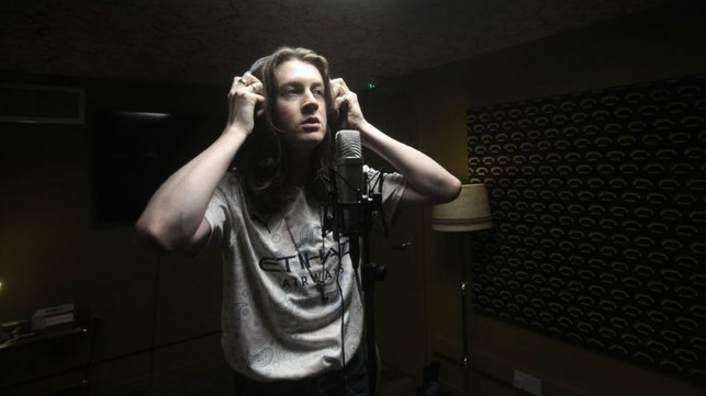 SING WHEN YOU'RE WINNING: Tom Ogden captured by acclaimed photographer Kevin Cummins in Blossoms' rehearsal studio