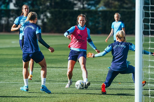 TOWER OF POWER : Sam Mewis carves an opening