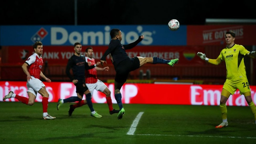 QUICK OUT THE BLOCKS : Gabriel Jesus comes close to the perfect start 30 seconds in